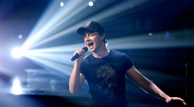 Alexander som Enrique Iglesias – «One to one» show, episode 4